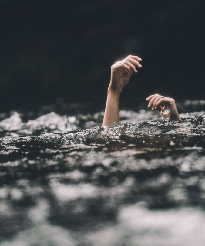 blake-cheek-803253-unsplash-1-drowning-photo-e1539105026316.jpg